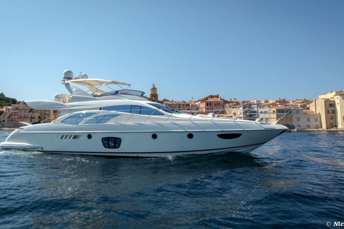 https://www.talamare.com/medias/AZIMUT 62 E YACHT FOR CHARTER