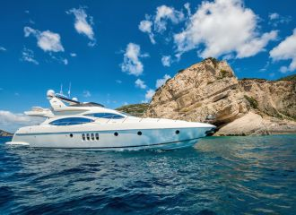 AZIMUT 68 YACHT FOR CHARTER