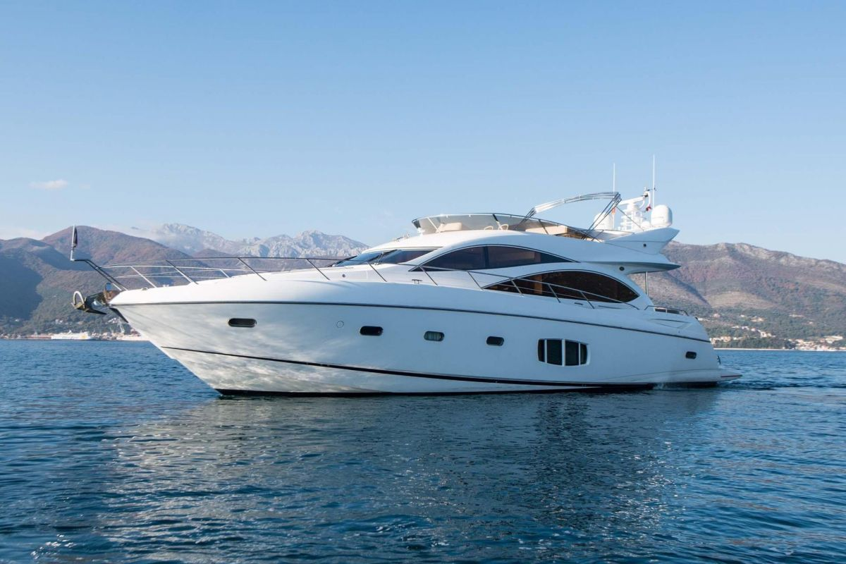 https://www.talamare.com/medias/SUNSEEKER MANHATTAN 70 YACHT FOR  CHARTER