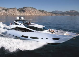 SUNSEEKER 88 YACHT FOR CHARTER