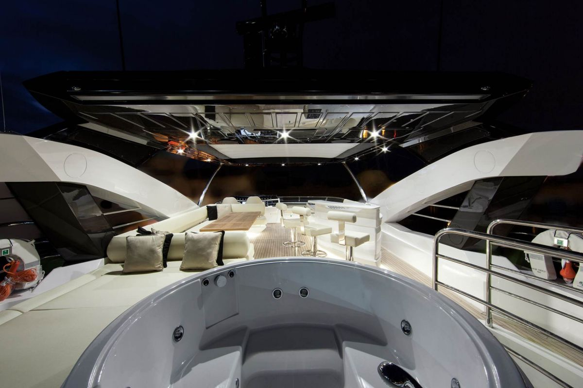 https://www.talamare.com/medias/SUNSEEKER 88FLYBRIDGE