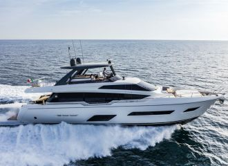 FERRETTI 780 YACHT FOR CHARTER