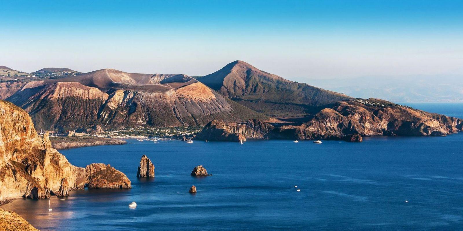 https://www.talamare.com/medias/Yacht charter Aeolian islands  Yacht rental Aeolian Sicily