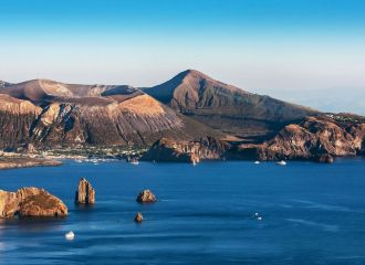Yacht charter Sicily, yacht rental Aeolian islands