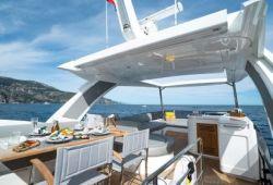 Sunseeker Manhattan 66 yacht rental French Riviera - flybridge