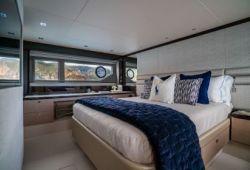 Sunseeker Manhattan 66 - master cabin