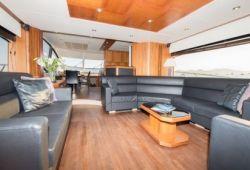 Sunseeker Manhattan 70 yacht rental French Riviera - salon