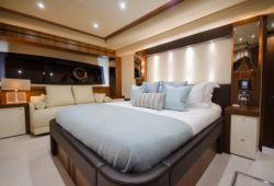 Sunseeker 28m - master cabin