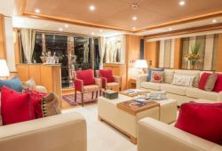 Sunseeker 34m yacht rental French Riviera - salon