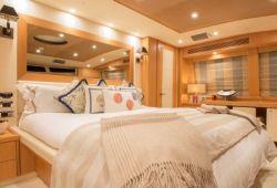 Sunseeker 34m - master cabin