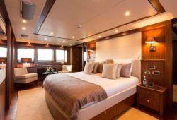 Sunseeker 37m - master cabin