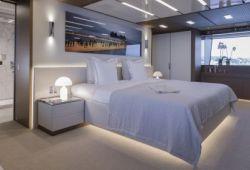 Sanlorenzo 52Steel - master cabin