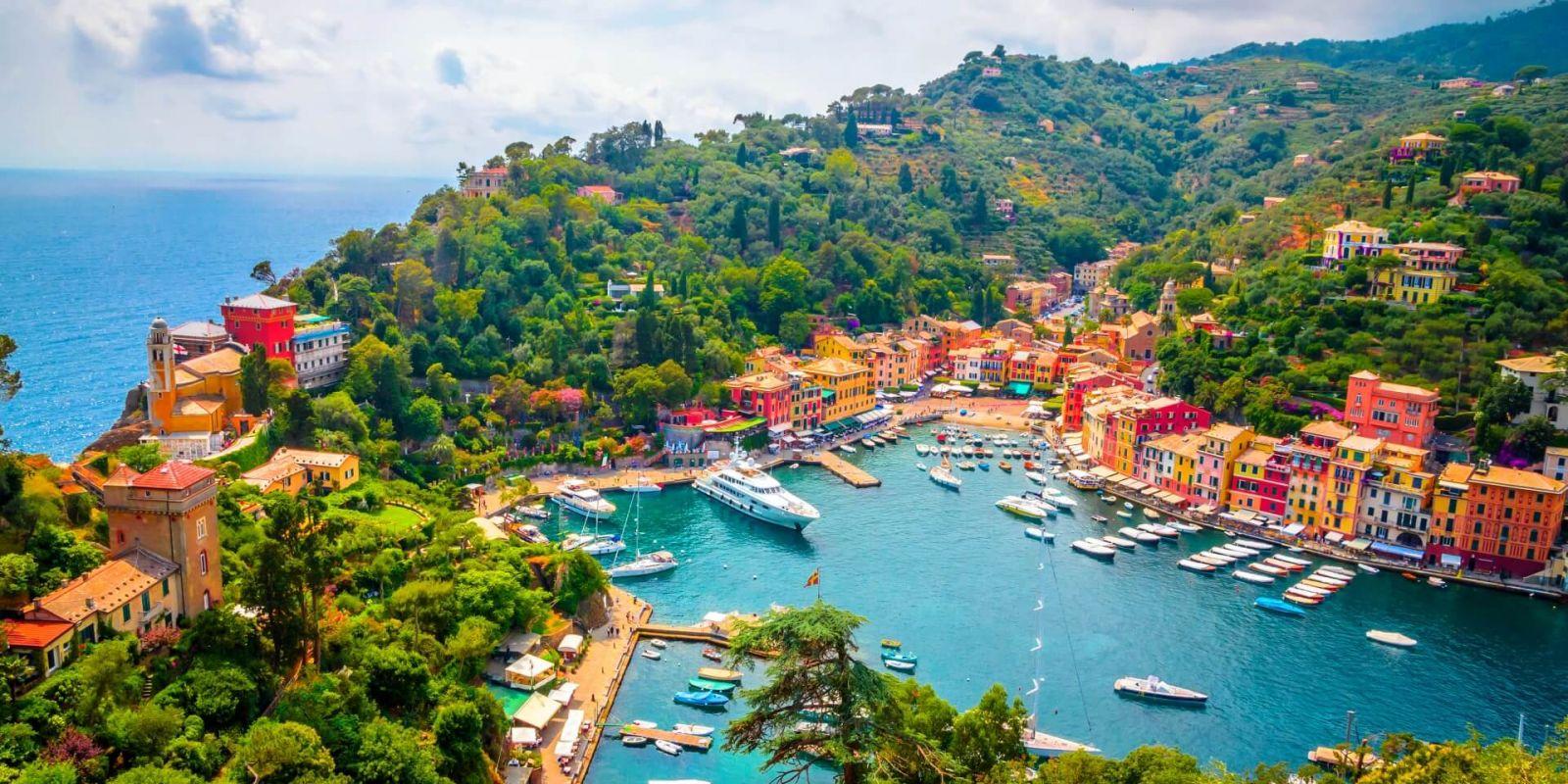 https://www.talamare.com/medias/The Portofino marina and its yachts on the Italian Riviera