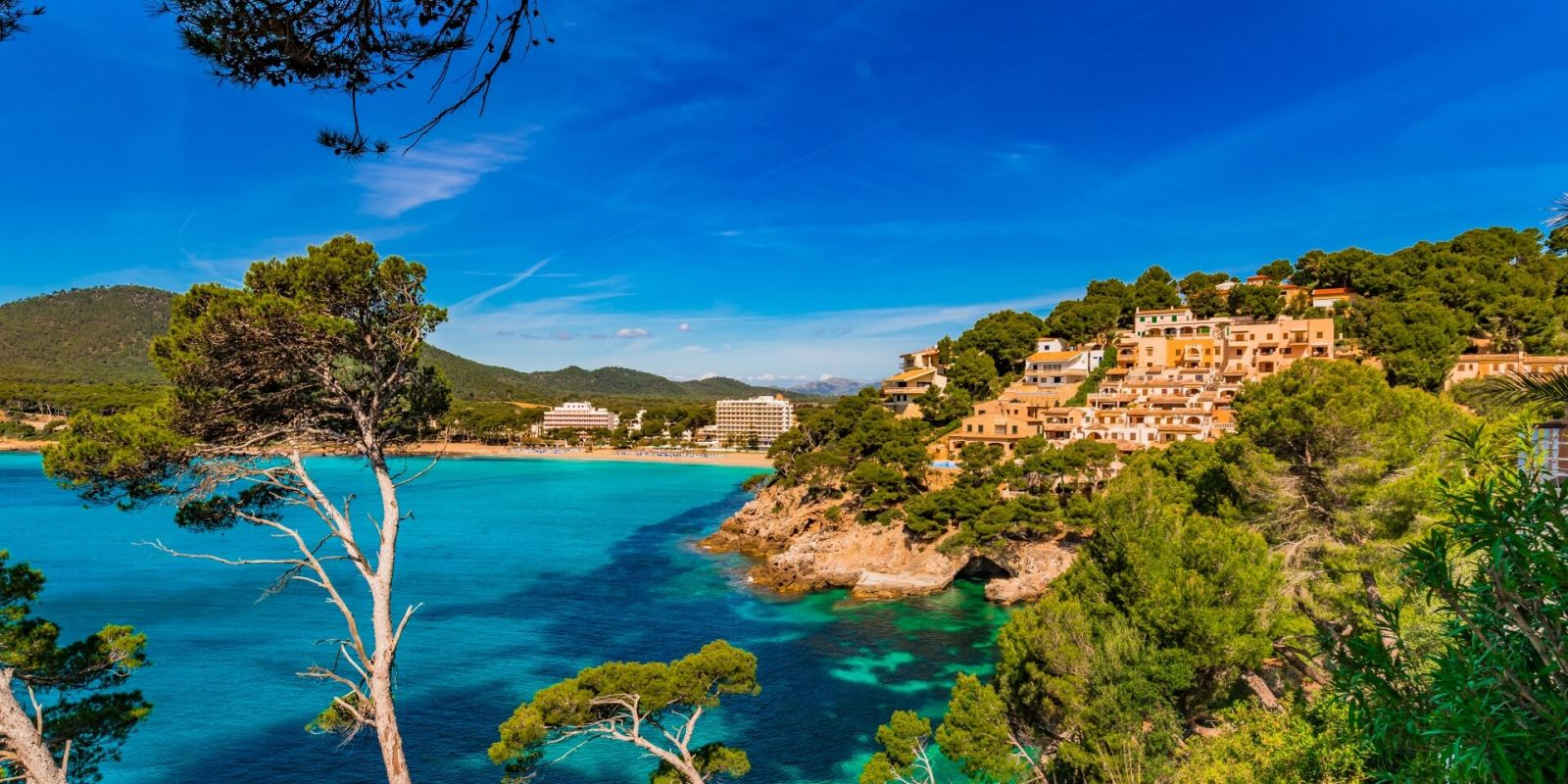 https://www.talamare.com/medias/The island of Majorca and the coast of Canyamel during a Balearics yacht charter