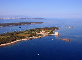 Yacht charter Cannes Lerins islands, yacht rental Cannes