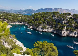 Yacht charter Calanques, yacht rental Calanques Marseille