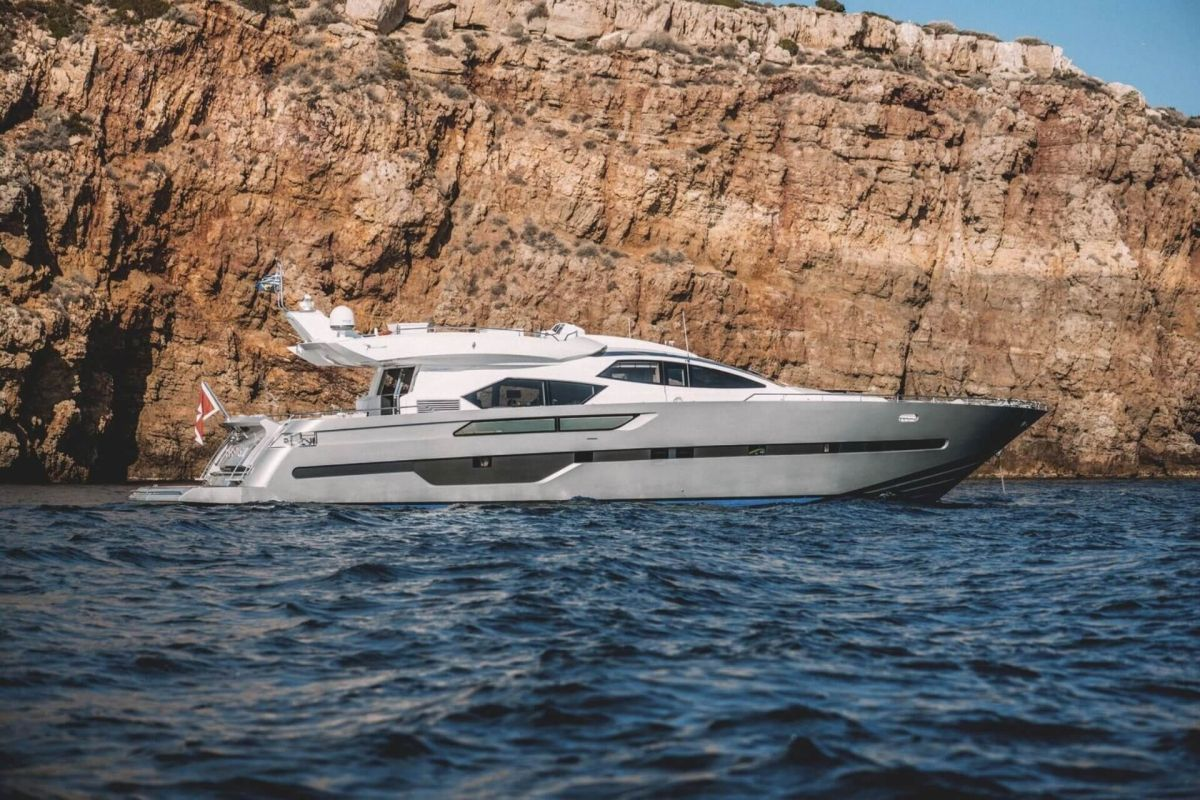 ITALCRAFT 90 SC YACHT FOR CHARTER
