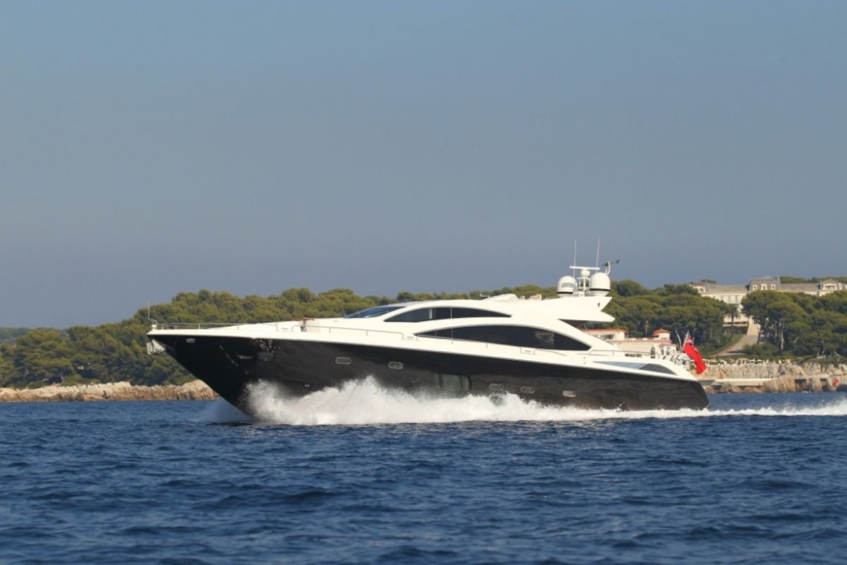 https://www.talamare.com/medias/SUNSEEKER PREDATOR 84 FOR CHARTER