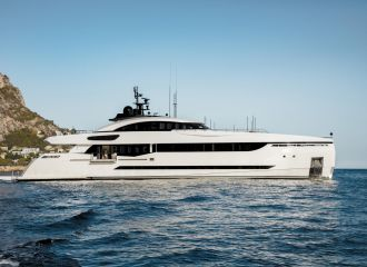 COLUMBUS 40S YACHT FOR CHARTER