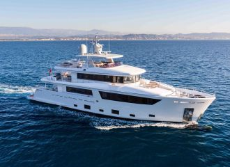 33M CANTIERE DELL MARCHE YACHT