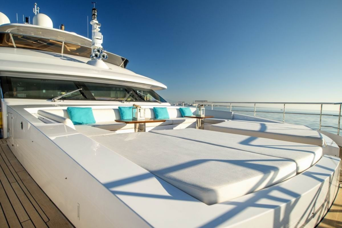 MAIN DECK FORE